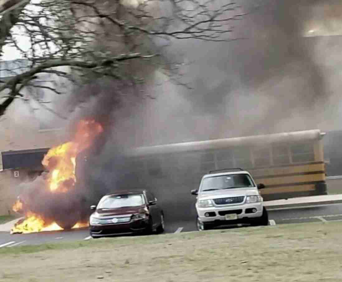 School bus fire middletown high school north
