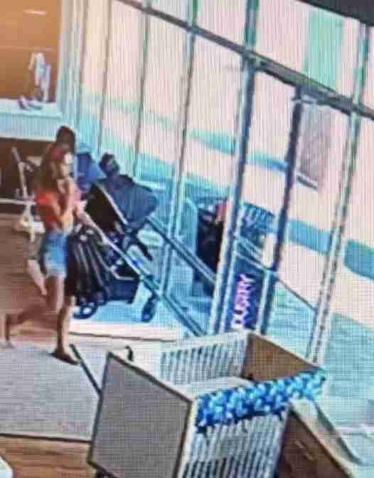 0126a6e2e4c Three Women Steal From Middletown Store, Forget Child in Store - The ...