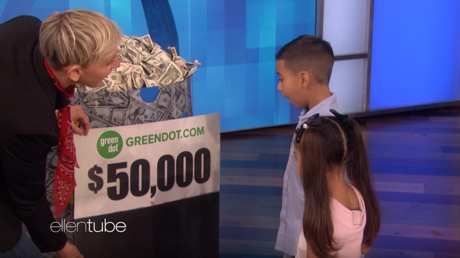 Ellen Degeneres Show Christmas Giveaway 2020 Ellen DeGeneres Surprises Red Bank Family Twice!   The Journal